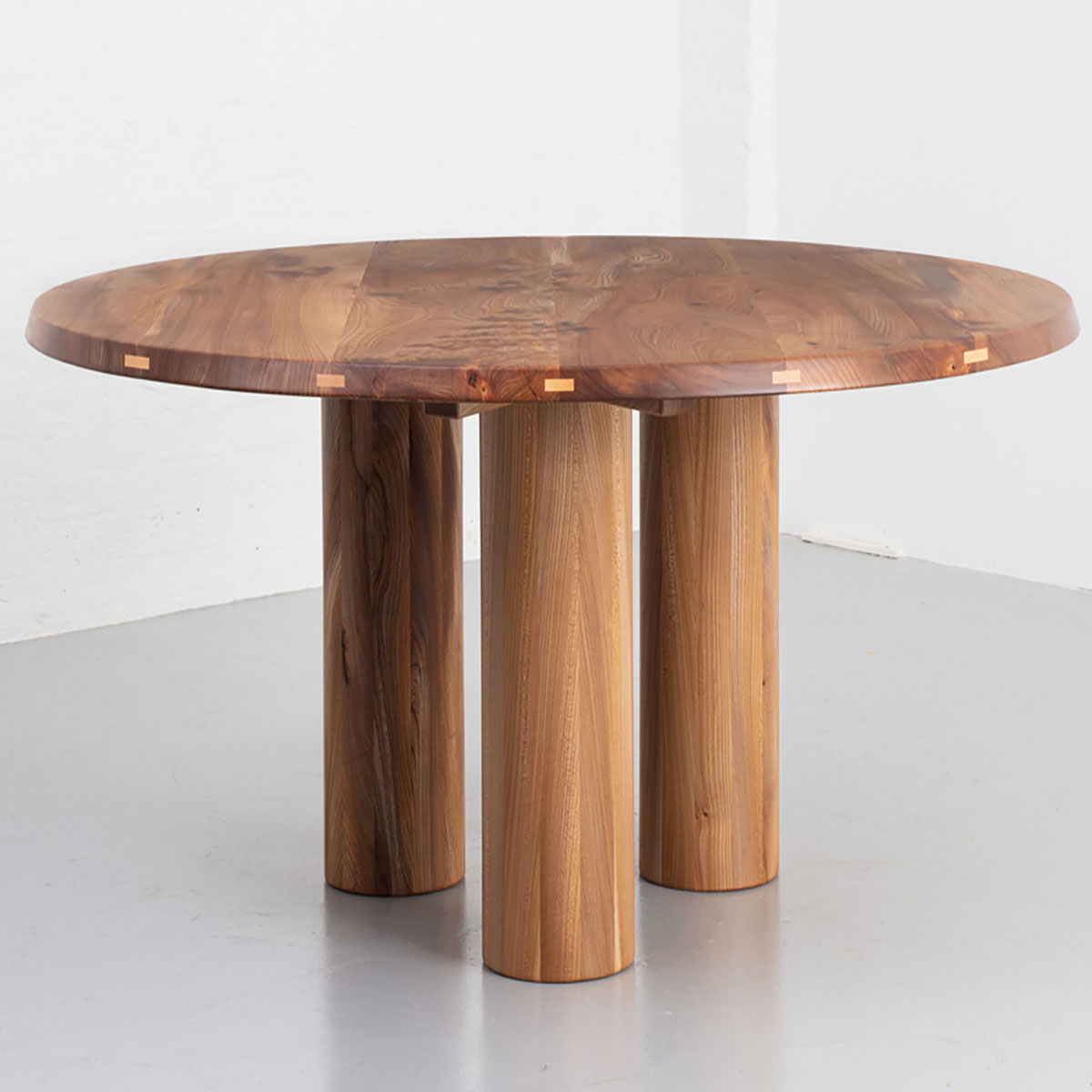 Jan Hendzel Round Tables Studio 2021-2(square)